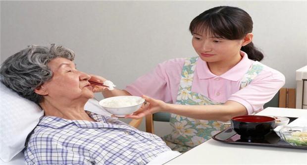 专家吁尽快解决公务员与普通公众养老待遇差距问题