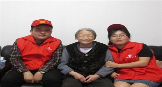 居家养老仍是中国主流养老方式 养老机构招工难
