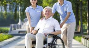 """运营服务考验养老产业,""""智慧养老""""成新风口"""